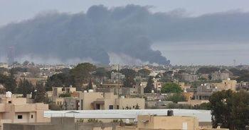 Hafter milislerinden Ramazan Bayramı sabahında Mitiga Havalimanı'na roketli saldırı