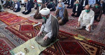 İran'da Kovid-19 nedeniyle kapalı olan camilerin tamamı yarın açılıyor