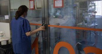 İspanya'da Kovid-19'dan ölenlerin sayılarında düşüş devam ediyor