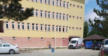 Okuldan atılan kalorifer peteği üzerine düşen işçi öldü