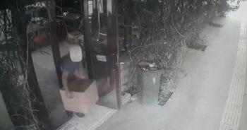 Yardım kolisini çalan hırsız yürüyüş şeklinden yakayı ele verdi