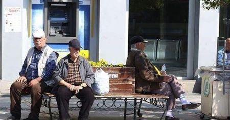 65 yaş ve üstü için sokağa çıkma izni başladı