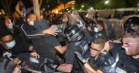 ABD'de artan protestoların ardından orduya 'hazır ol' emri