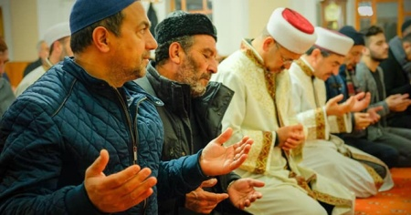 Erzincan'da cuma namazı kılınacak camiler belli oldu!