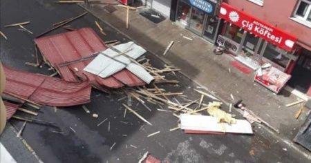 Fırtına nedeniyle çatıdan düşen şahıs hayatını kaybetti