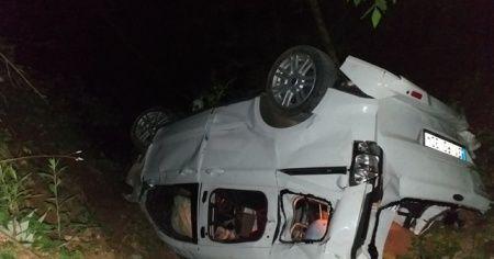 Hatay'da otomobil uçuruma yuvarlandı: 3 ölü, 4 yaralı.