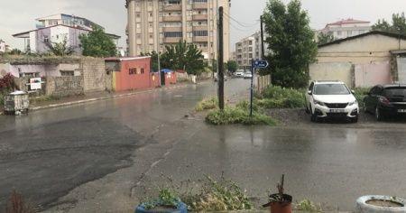 Iğdır'da kuvvetli rüzgar, fırtına ve yağmur etkili oldu