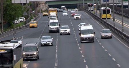 İstanbul'da 4 günlük kısıtlama sonrası hareketlilik başladı