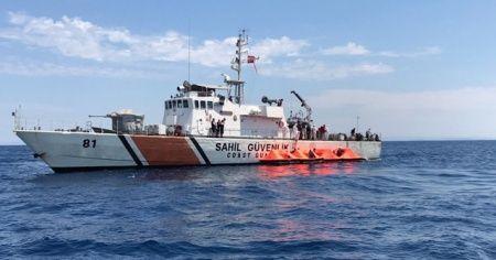İzmir'de 72 sığınmacı kurtarıldı
