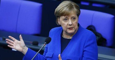 """Merkel: """"Bazı olaylarda virüsün ne kadar hızlı yayılabildiğini görüyoruz"""""""