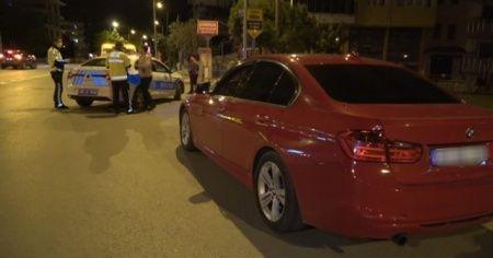 Polisin dur ihtarına uymayan sürücü lüks aracını bırakıp yaya olarak kaçtı