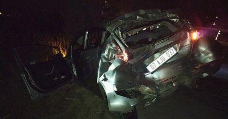 Sakarya'da süt tankeri ile otomobil çarpıştı: 3 yaralı