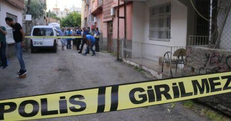 Uyuşturucu satıcıları mahalleliyi kurşun yağmuruna tuttu: 2 yaralı
