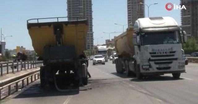 Çekmeköy'de hafriyat kamyonu yandı