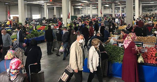 Kapalı pazarda yaşanan şaşırtıcı kalabalık