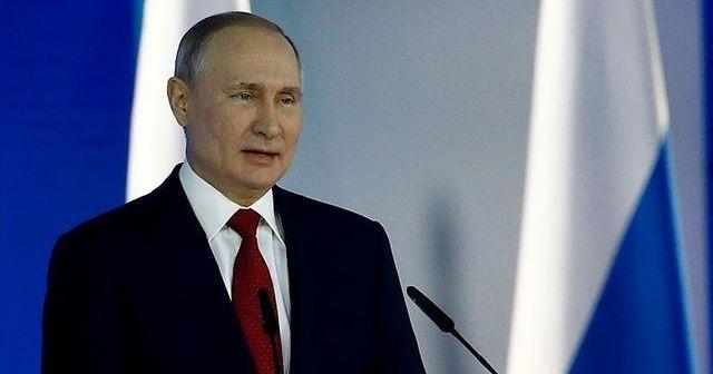 Putin'den halka kendisine yeniden başkanlık yolunu açacak oylamaya katılma çağrısı