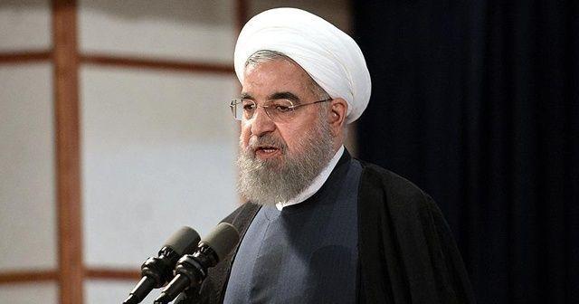 Ruhani: Salgının artmasının en önemli faktörü olan toplantılar engellenmelidir