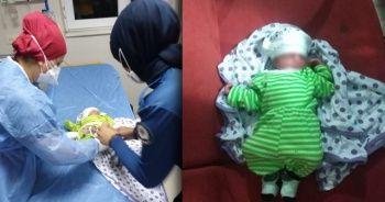 10 günlük bebeği cami avlusuna bıraktılar