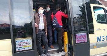 14 kişilik minibüste 30 kişi sosyal mesafesiz yolculuk