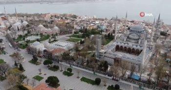 """CHP'nin """"Sultanahmet Camii müze olsun"""" teklifine tepkiler çığ gibi büyüyor"""
