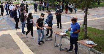 Sınav saatlerinde sınırlı sokağa çıkma yasağı