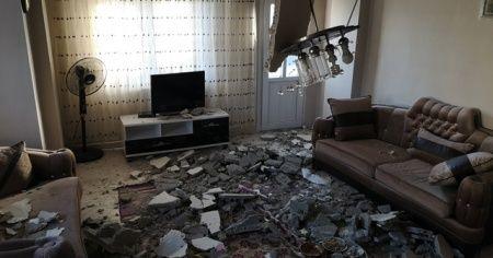 Salonda yemek yerken evin tavanı çöktü