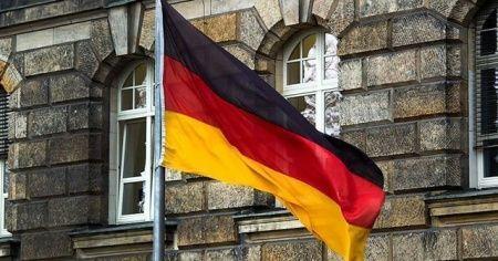 Almanya'da aşırı sağcı sayısında artış