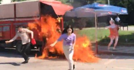Aracını yakmaya çalışırken kızını yakıyordu