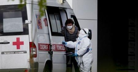 Çin'de 4 aydır Kovid-19 tedavisi gören doktor hayatını kaybetti