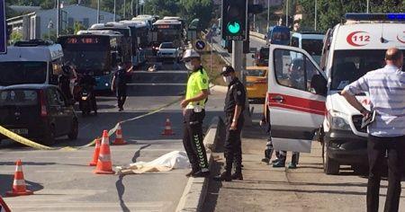 Kadıköy'de halk otobüsünün çarptığı yaya feci şekilde can verdi