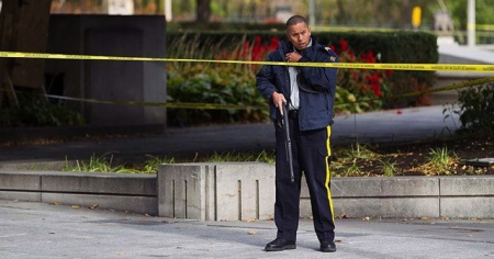 Ottawa'da Türk Büyükelçiliğinin önünde şüpheli araç