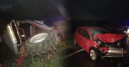 Uşak'ta otomobil ile traktör çarpıştı: 3 yaralı
