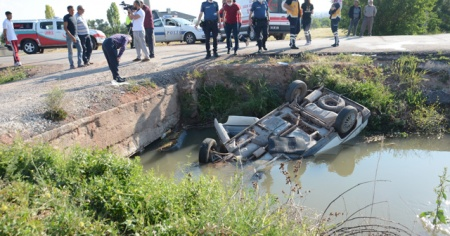 Virajı alamayan otomobil kanala düştü: 1 ölü