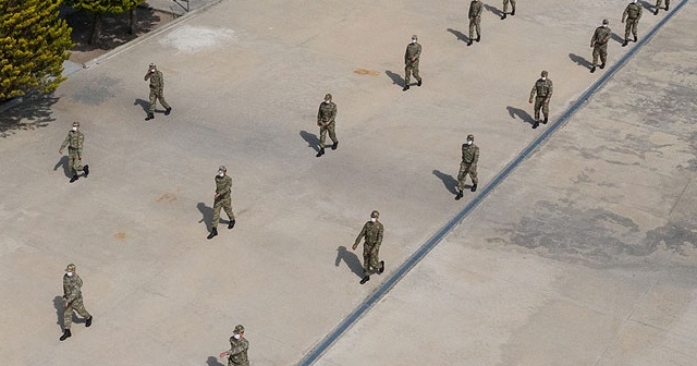 Askerlerin Covid-19 testi pozitif çıktı