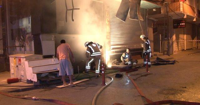 Bağcılar'da çok sayıda iş yerinde yangın çıktı