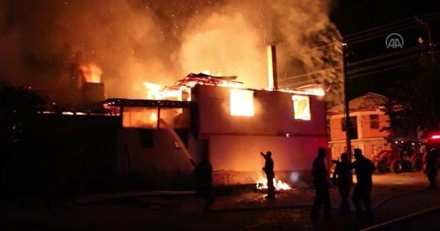 Evde çıkan yangında iki çocuk hayatını kaybetti