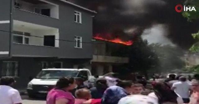 Eyüpsultan'da korkutan yangın: Vatandaşlar sokağa döküldü