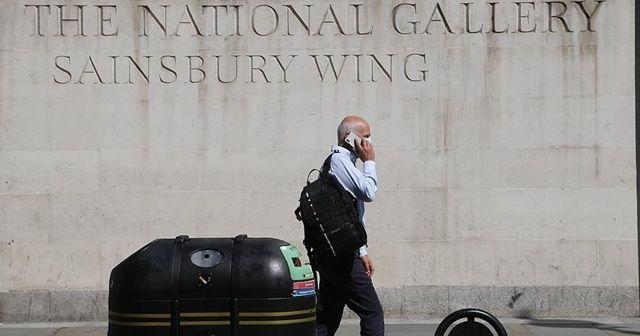 İngiltere'de Kovid-19 ölümleri 44 bini aştı