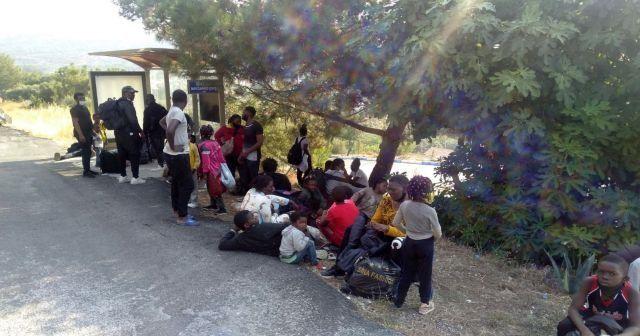 İzmir'de 42 göçmen yakalandı