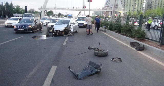 Kadın sürücüyü sıkıştırdı, kazaya sebep oldu: 1'i çocuk 2 yaralı