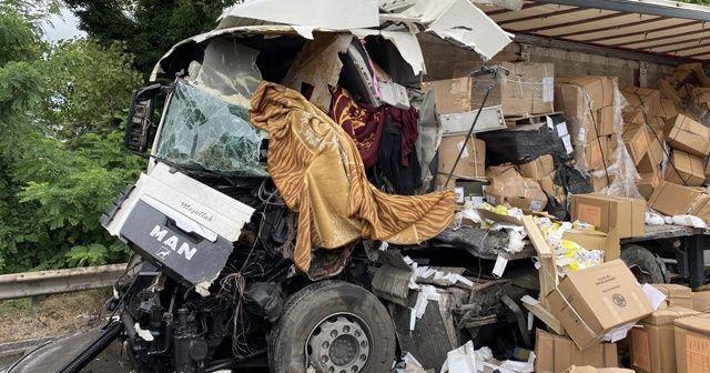 Kocaeli TEM Otoyolunda feci kaza: 1 ölü 1 yaralı