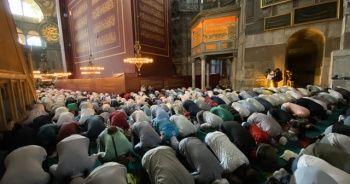 Ayasofya Camii'nde ilk vakit namazı halka açık kılındı