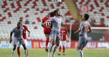 Başakşehir deplasmanda Antalyaspor'u 2-0 yendi