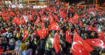 Başkent'te demokrasi nöbeti başladı