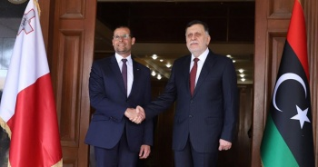 Libya Başbakanı Serrac Malta'da Başbakan Abela ile görüştü