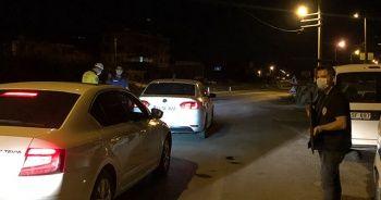 Polis ekiplerinden bayram öncesi gece trafik denetimi