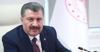 """Sağlık Bakanı Koca'dan """"sosyal mesafe"""" uyarısı"""
