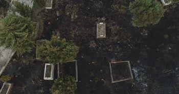 Tahliye edilen Kumköy mezarlığı alevlere teslim oldu