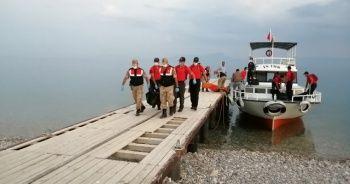 Van Gölü'nden çıkan cenaze sayısı 54'e yükseldi