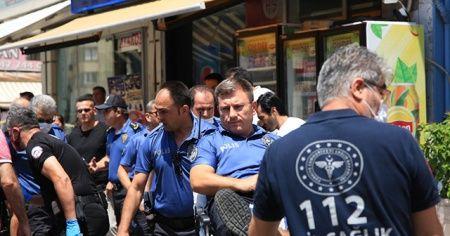 Aranan şüpheli polise bıçakla saldırdı